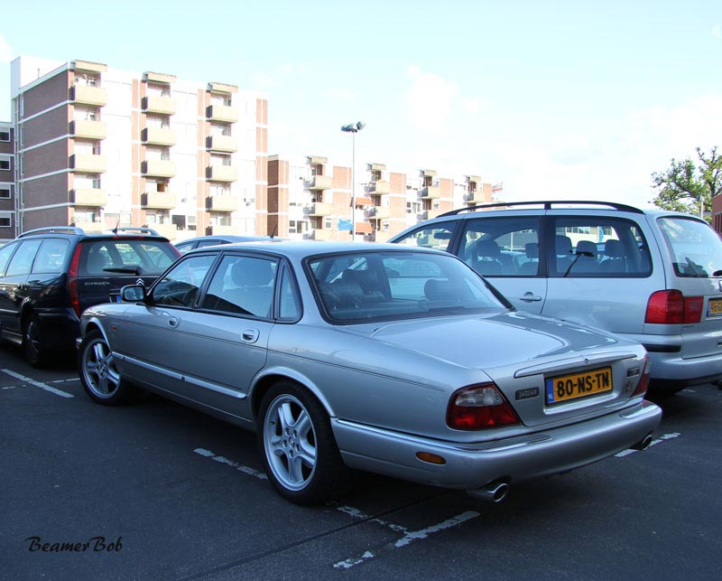 Jaguar XJR V8 Supercharged linksachter