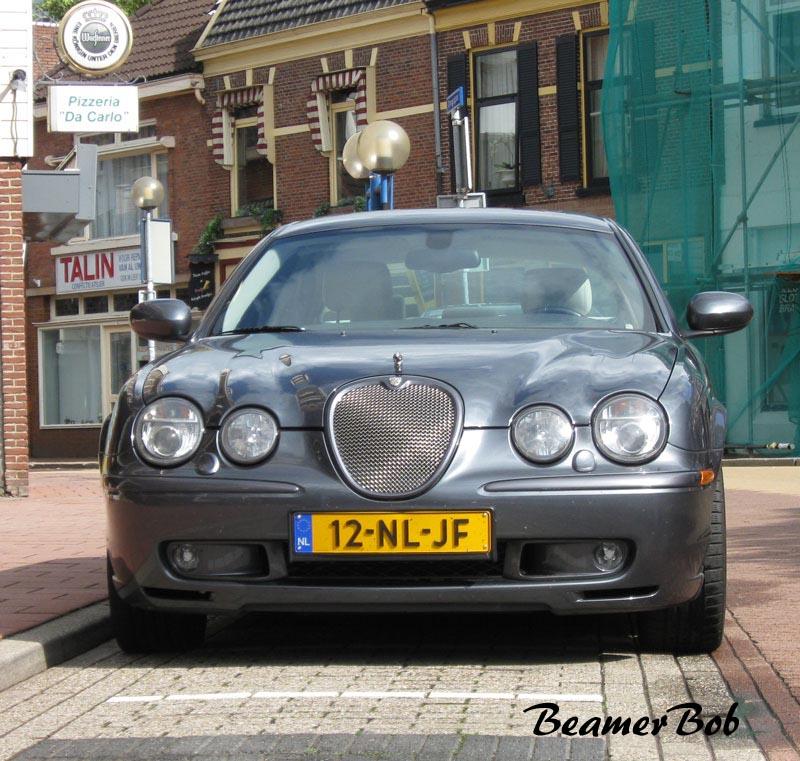Jaguar S-type R voorkant
