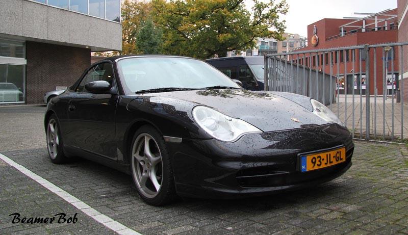 Porsche-911-996-Carrera-2-Cabriolet rechtsvoor