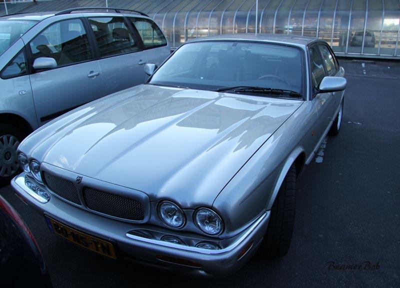 Jaguar XJR V8 Supercharged linksvoor