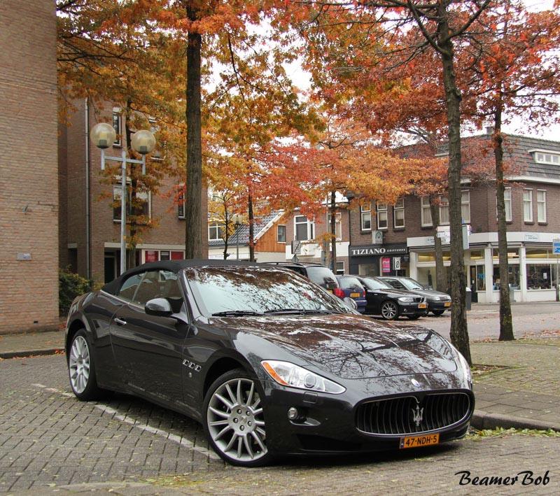 Maserati GranCabrio rechtsvoor