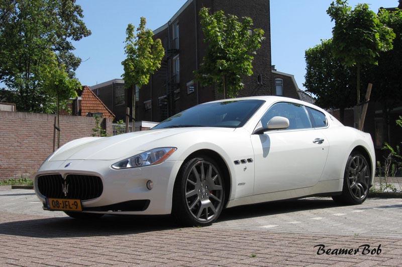Maserati GranTurismo linksvoor