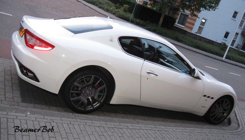 Maserati GranTurismo rechtsachter