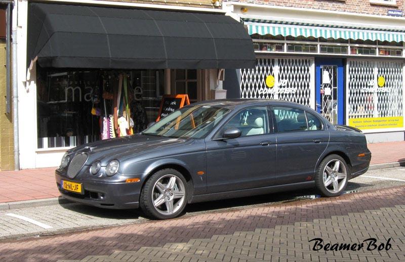 Jaguar S-type R linksvoor