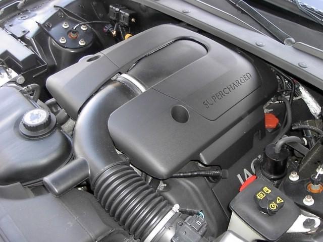 Jaguar S-type R motor