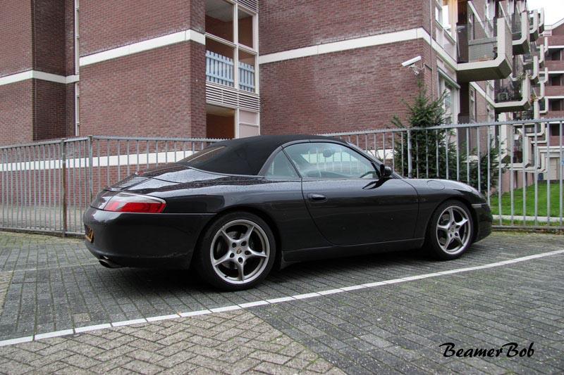 Porsche-911-996-Carrera-2-Cabriolet rechtsachter