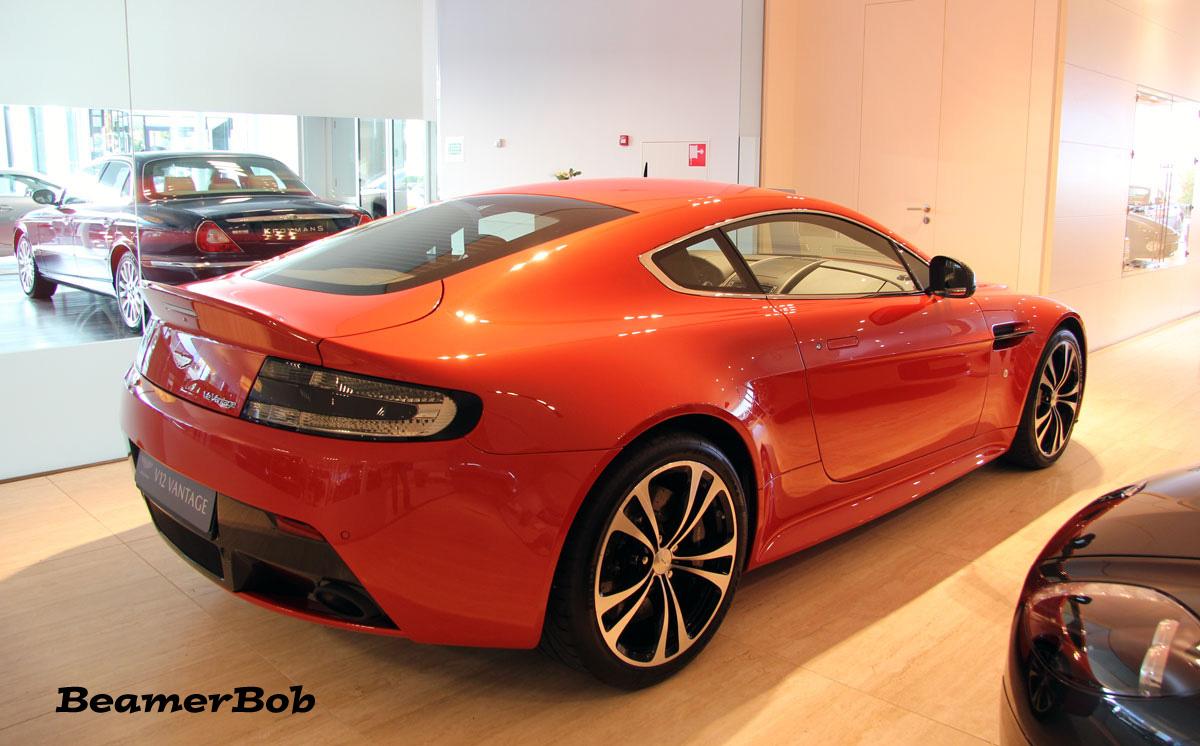 Aston Martin V12 Vantage Carbon Edition